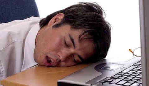 睡觉流口水是怎么回事(警惕这5个原因)