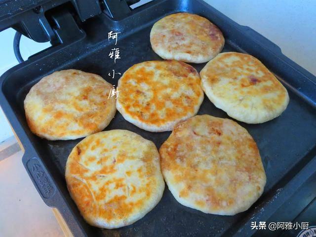 烙馅饼的家常做法,原来和面才是关键,这样做皮薄馅足不露馅