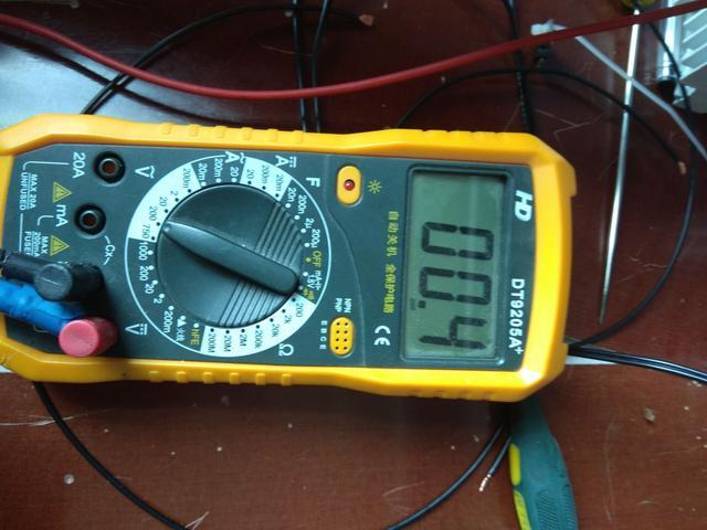 电工知识:家里3种电线一样的颜色,怎么区分火线零线和地线?