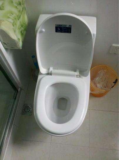 原来马桶堵了只要一壶开水就能搞定,知道太晚,浪费不少钱