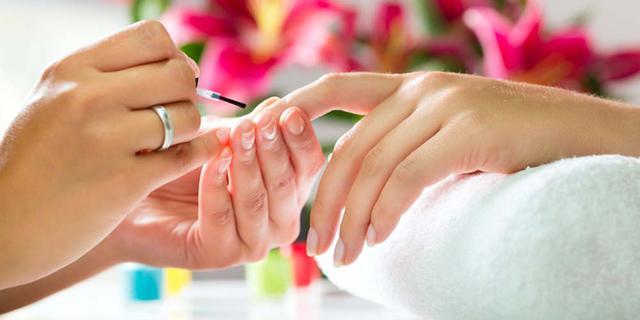 手上的指甲油怎么去掉 有效去除的三种妙招