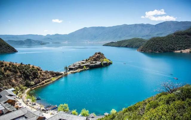 泸沽湖|一个美似天堂明珠的地方,一半在云南,一半在四川!