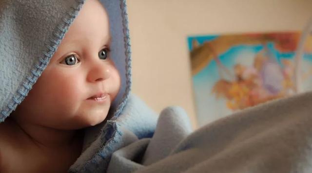 哺乳期的妈妈感冒了,到底该不该吃药?吃什么药?