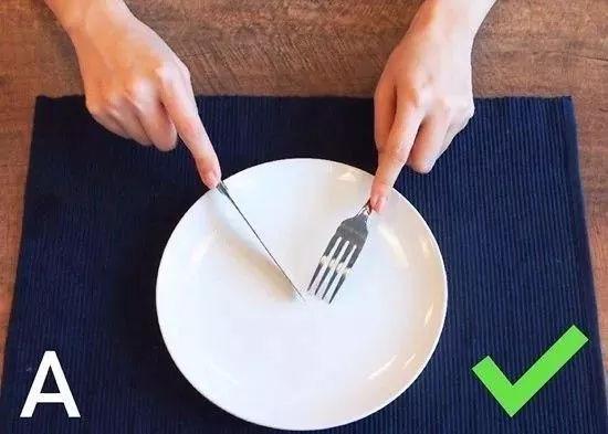 原来,这才是西餐刀叉标准优雅的拿法